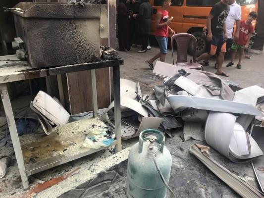 إخماد حريق بمطعم في مخيم برج البراجنة