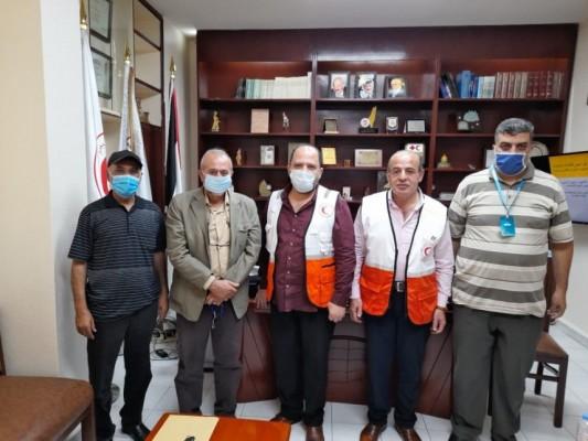 تسليم دفعة من الادوية لجمعية الهلال الاحمر الفلسطيني مقدمة من لجان العمل في المخيمات