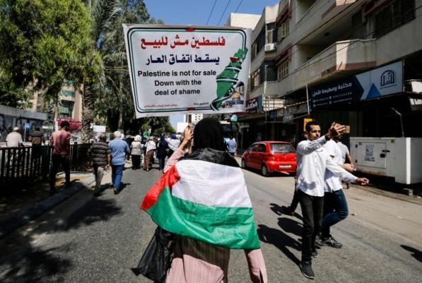 من يقرأ التاريخ لا يحتاج الى ما يكشفه العدو صحيفة  هآرتس : سفارة إسرائيلية في أبو ظبي منذ 2017