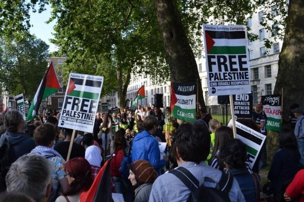 مسيرات بألمانيا ومدن أوروبية رفضًا للتطبيع