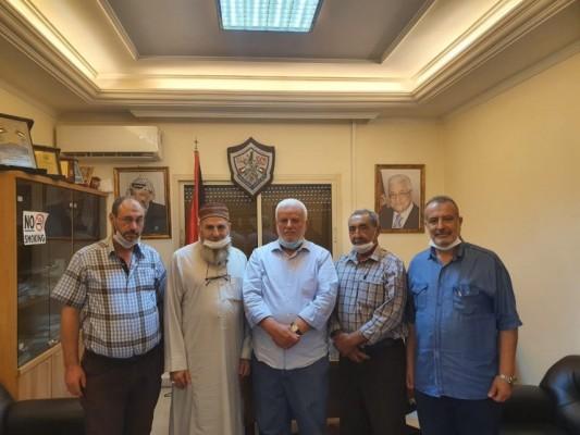 وفد من  البارد  يبحث مطالب الأهالي مع  فتح  و حماس