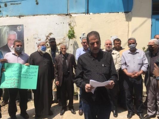 اعتصام أمام مكتب مدير  الاونروا  في  عين الحلوة  رفضاً لسياسة الوكالة