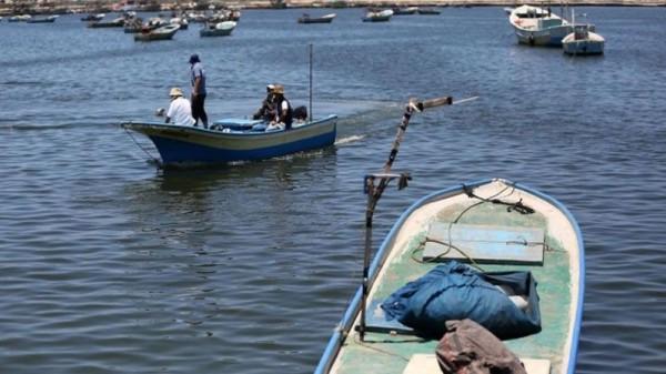 الاحتلال يعيد توسيع مسافة الصيد في بحر غزة