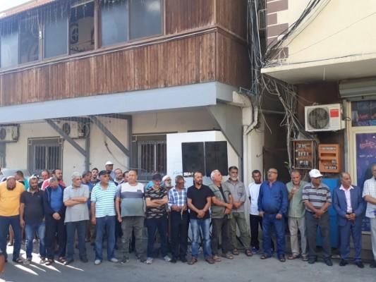 اعتصام للجان العمل في المخيمات في مخيم البص-صور