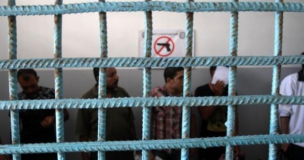 ضمن إجراءات الوقاية من فيروس كورونا الداخلية بغزة تمنح أصحاب الذمم المالية إجازة قابلة للتجديد