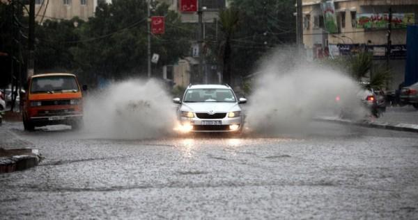 تحذيرات من تشكّل السيول.. ارتفاع طفيف على درجات الحرارة وغدًا أمطار وعواصف رعدية