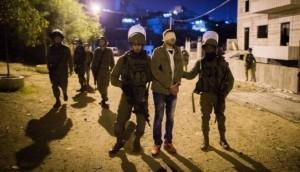 قوات الاحتلال تعتقل 16 مواطنًا بمداهمات في الضفة