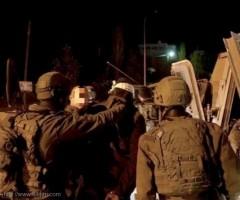 بينهم صحفي من الخليل.. الاحتلال يشن حملة اعتقالات بالضفة ويصادر أموال ومركبة