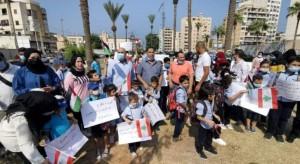 اعتصام لأهالي الطلاب الفلسطينيين بصيدا للمطالبة بتسجيل أولادهم بالمدارس الرسمية