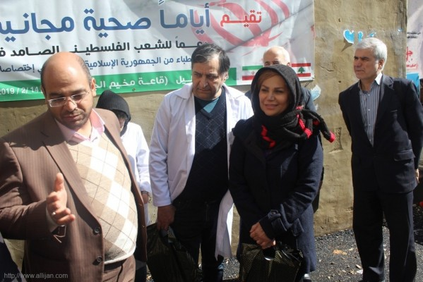 تكريم و تقديم دروع للاطباء المشاركين في الايام الصحية