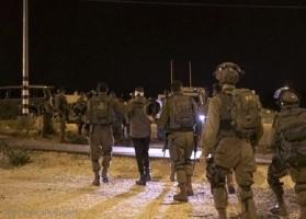العدو الاسرائيلي ينفذ حملة مداهمات واعتقالات في الضفة الغربية